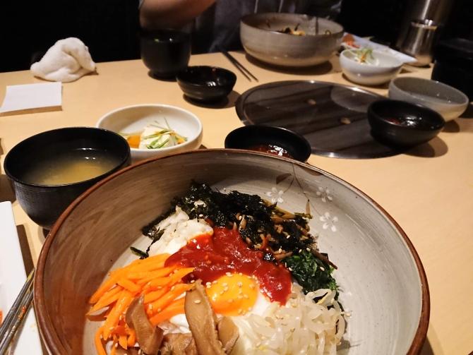 西新宿で人気の韓国料理、韓感のランチ、ビビンパの写真4