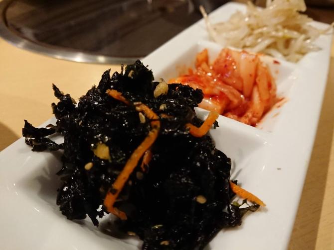 西新宿で人気の韓国料理屋さん「韓感」のおかずはおかわり無料
