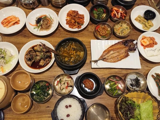 おかずがいっぱい、ソウルの韓定食『チェウム 채움』2