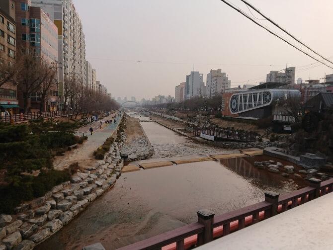 ウンアン駅の周辺