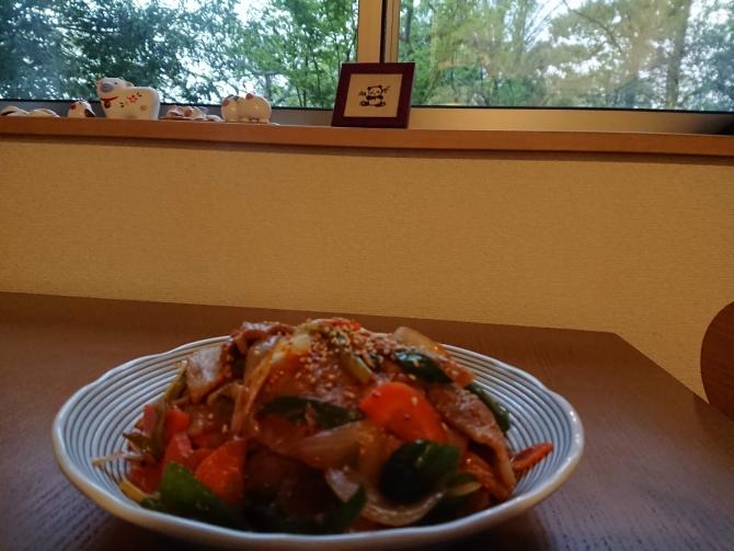 韓国の豚肉甘辛炒め、チェユクポックムの写真