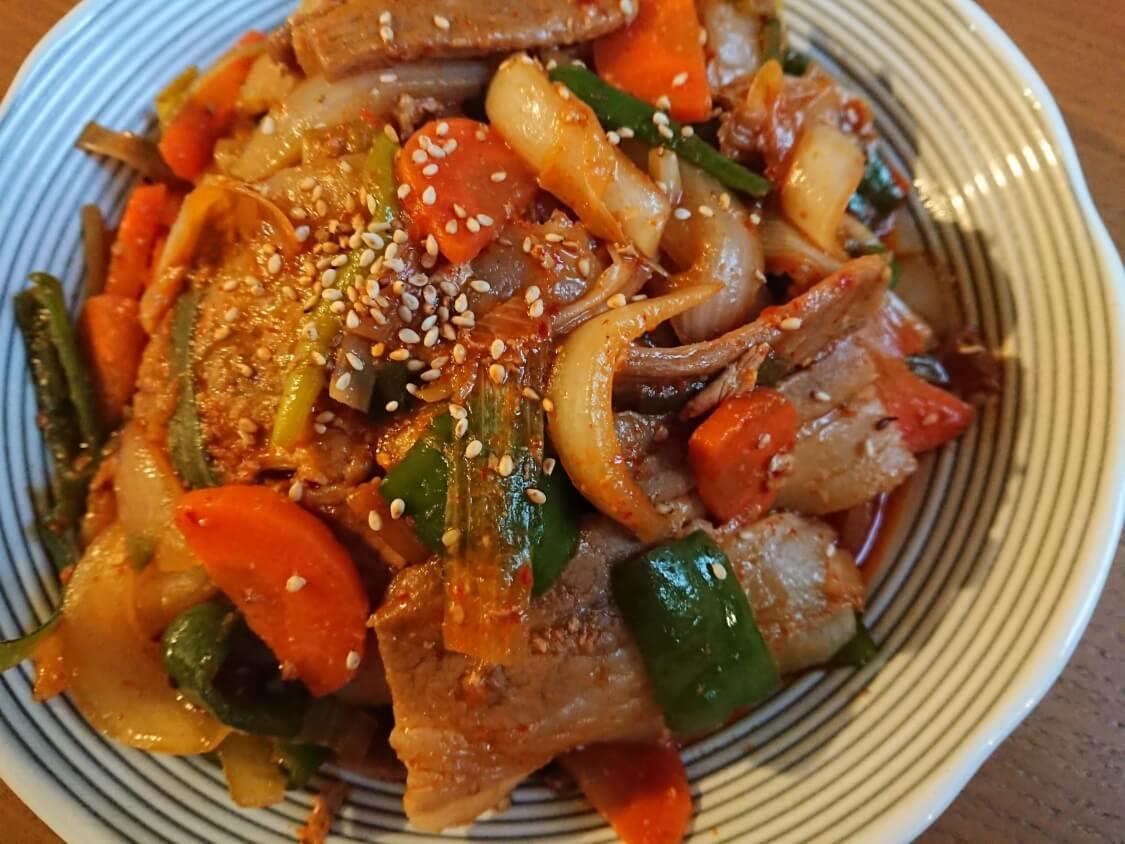 簡単かつ本格的!豚肉の甘辛炒め、チェユクポックムのレシピ