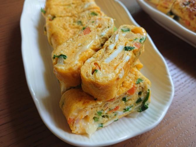 野菜たっぷりの韓国式の卵焼き(ケランマリ)の写真