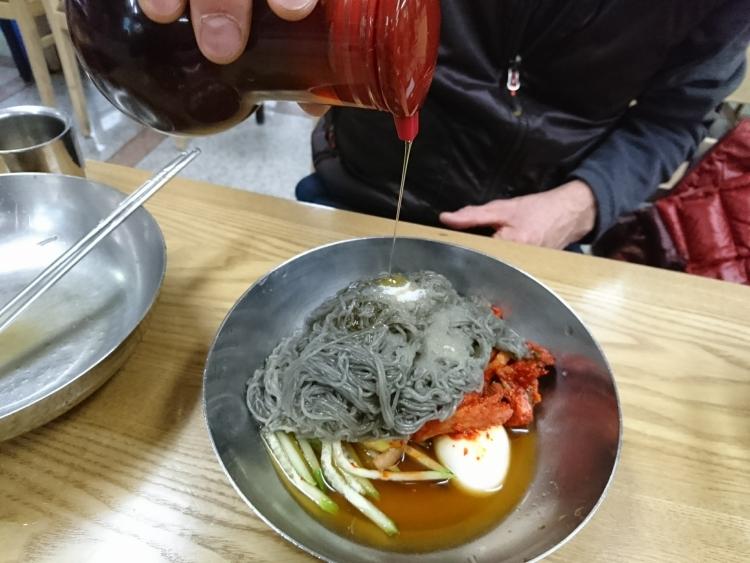 韓国の冷麺の写真