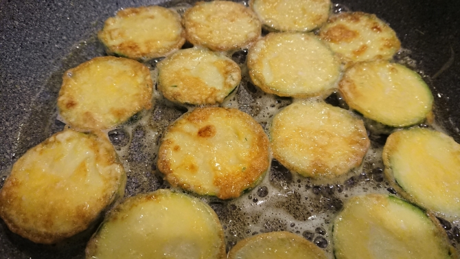 ズッキーニのジョン(チヂミ)レシピの写真