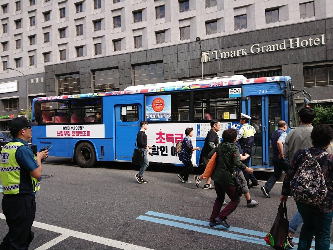 ソウル南大門のバス