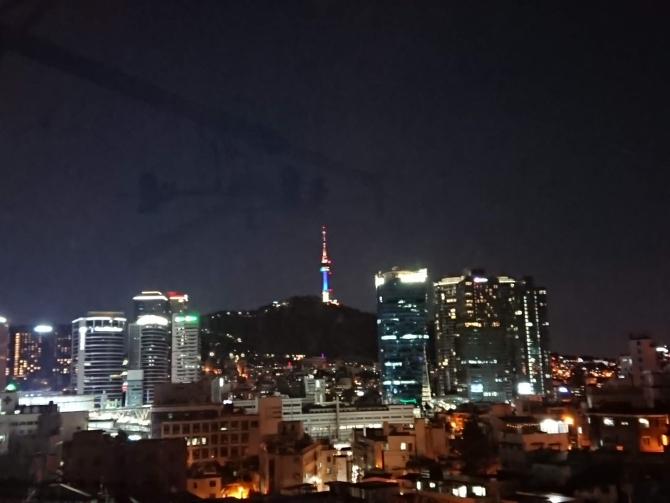 実家から見えるソウルタワーの写真