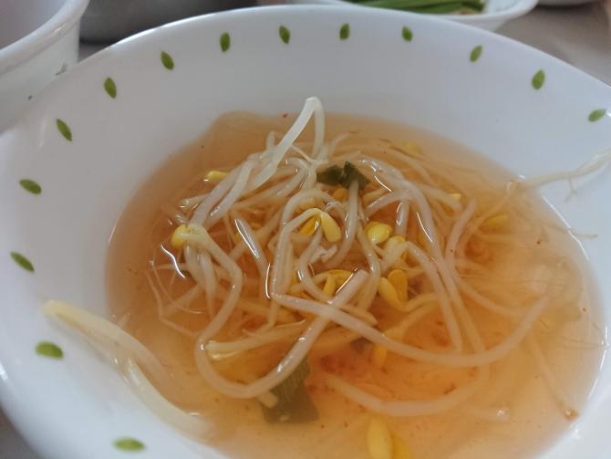 もやしスープの写真