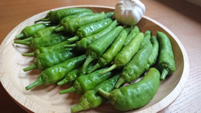 青唐辛子の醤油漬け:コチュチャンアチの材料写真