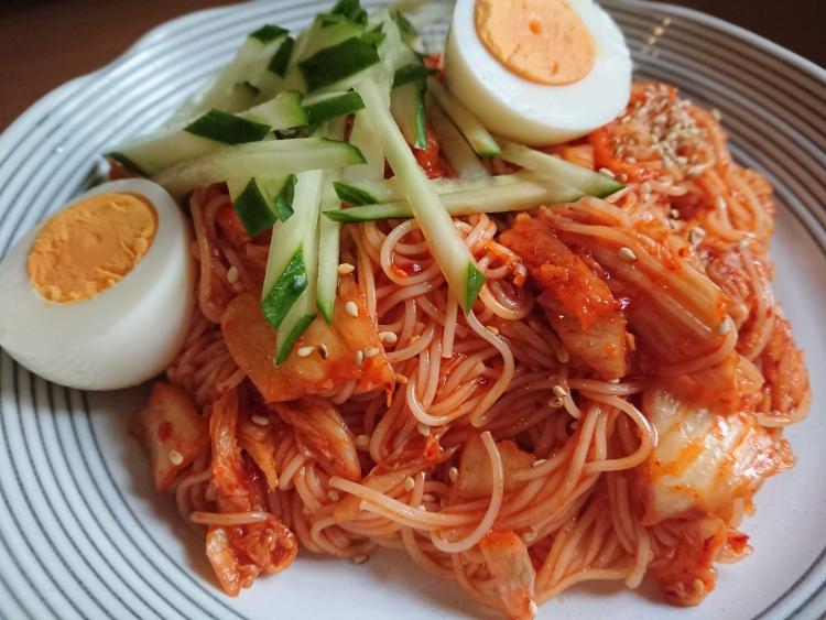 韓国ビビン麺の写真