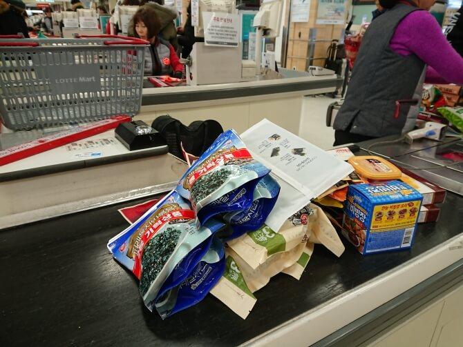 韓国のスーパーで購入した調味料・食べ物の写真:海苔