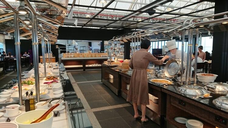 チェジュ島旅②:ロッテホテルの朝食ビュッフェのレストラン写真