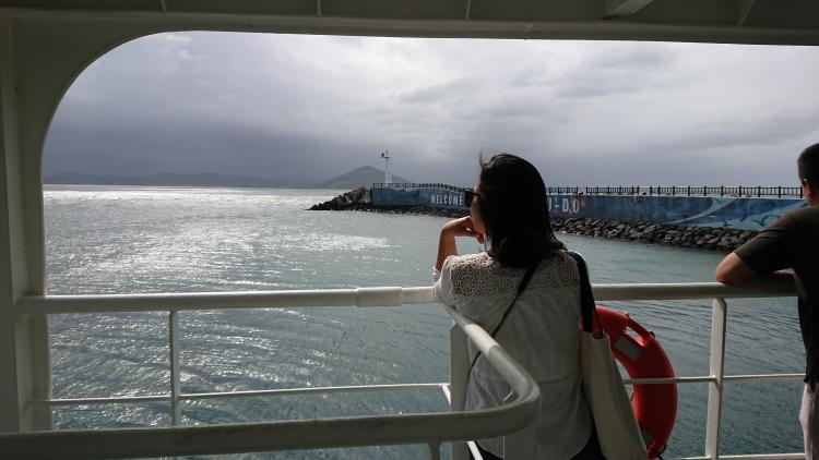 済州島で一人旅の女性
