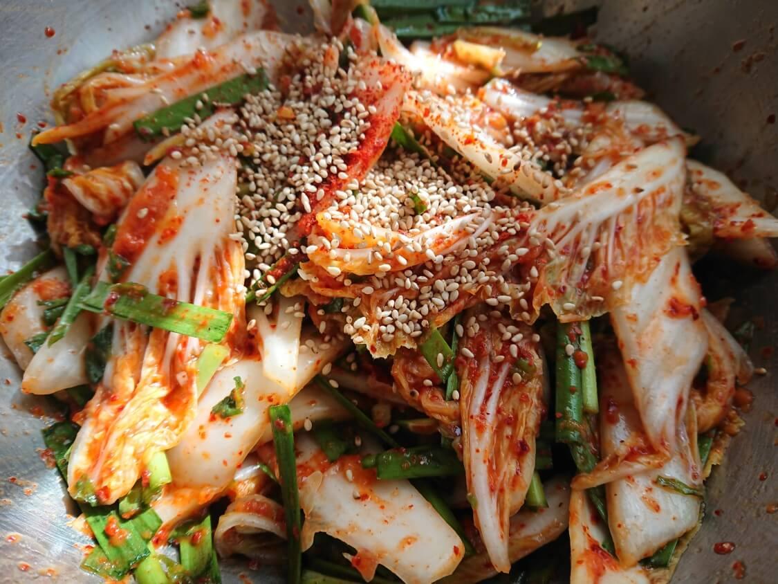 白菜の浅漬けキムチ(コッチョリ)の韓国レシピ。和える