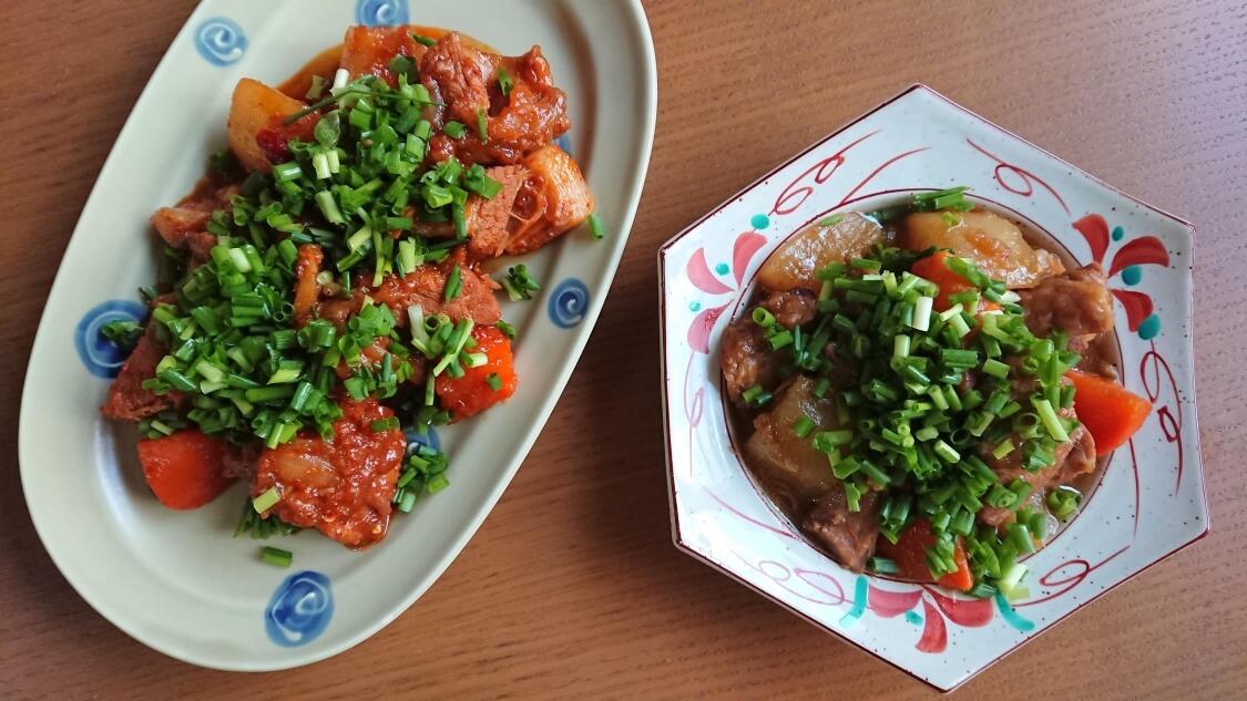 韓国料理カルビチム。味付け2種類