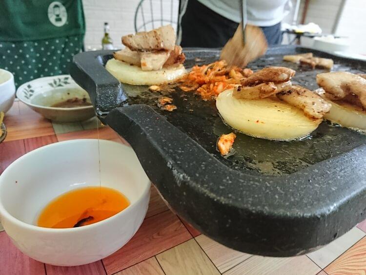 家で食べたサムギョプサル。食べ方