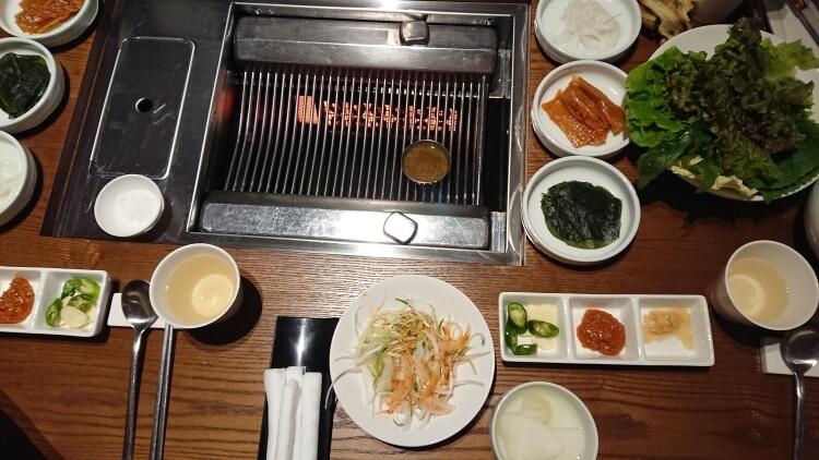 韓国のお店で食べたサムギョプサル