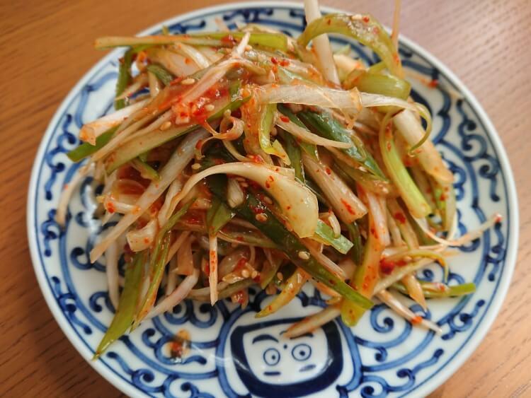 サムギョプサルの人気副菜、ネギサラダ