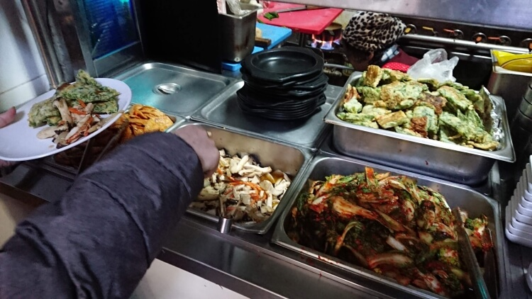 ソウルのご飯屋さんのバンチャン