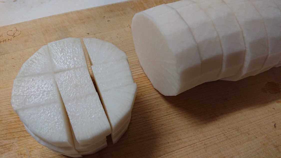 カクテキの韓国人気レシピ。大根の切り方