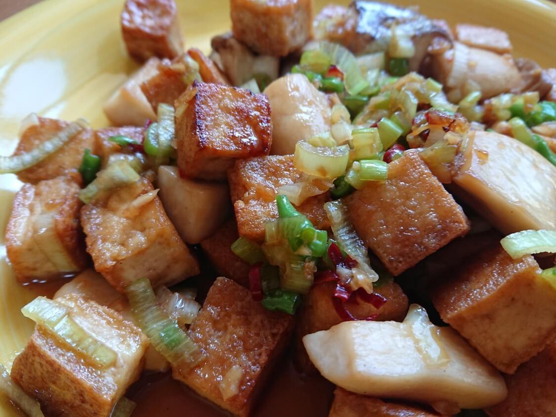 豆腐とキノコの甘辛×ピリ辛炒め