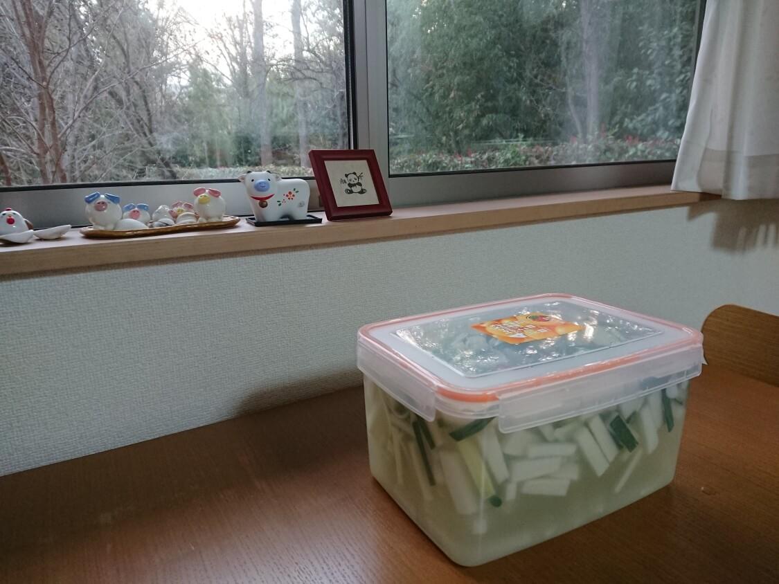 大根の水キムチ「トンチミ」の韓国レシピ。密閉容器で保存