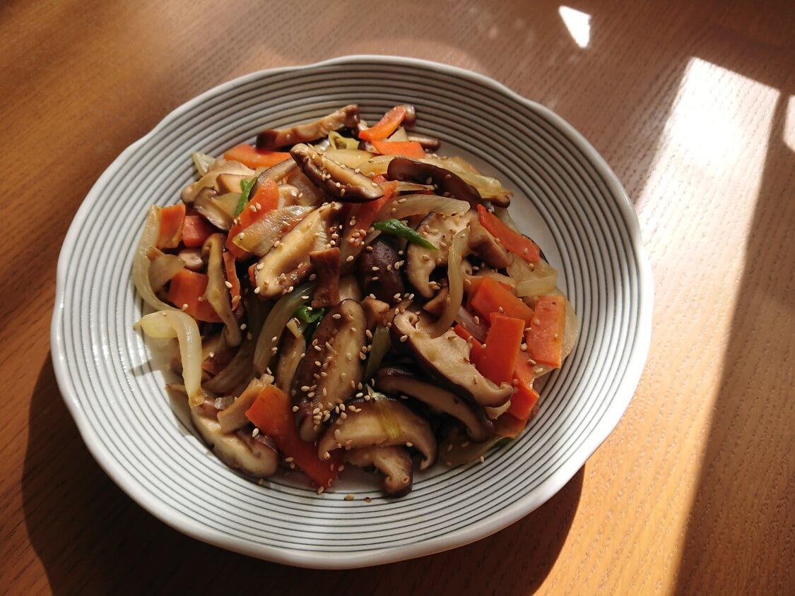 きのこの炒め物の韓国レシピ。ガーリック&オイスターソース入り