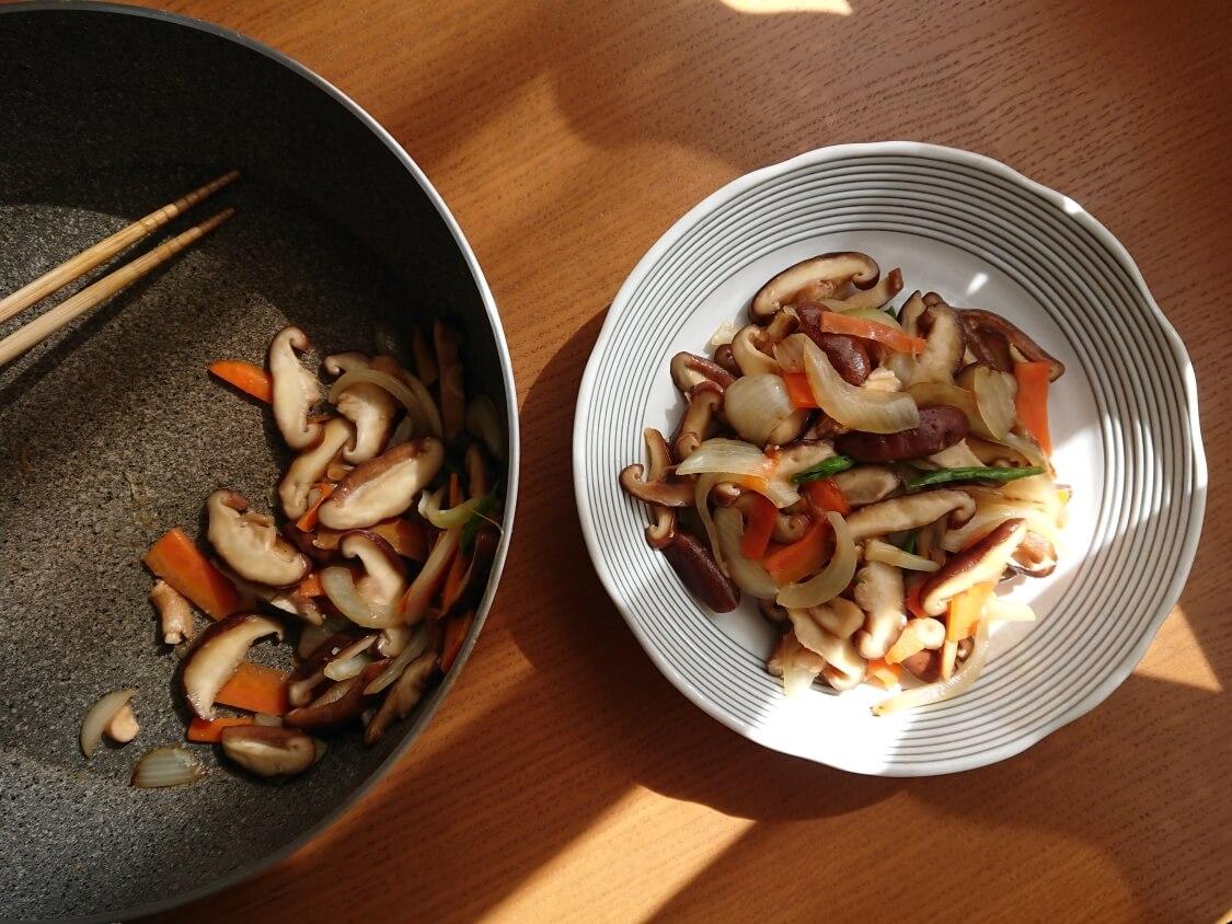 きのこの炒め物の韓国レシピ。完成
