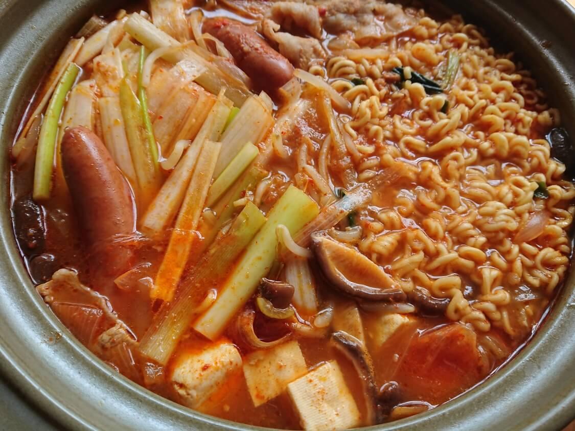 韓国チゲ鍋の完成