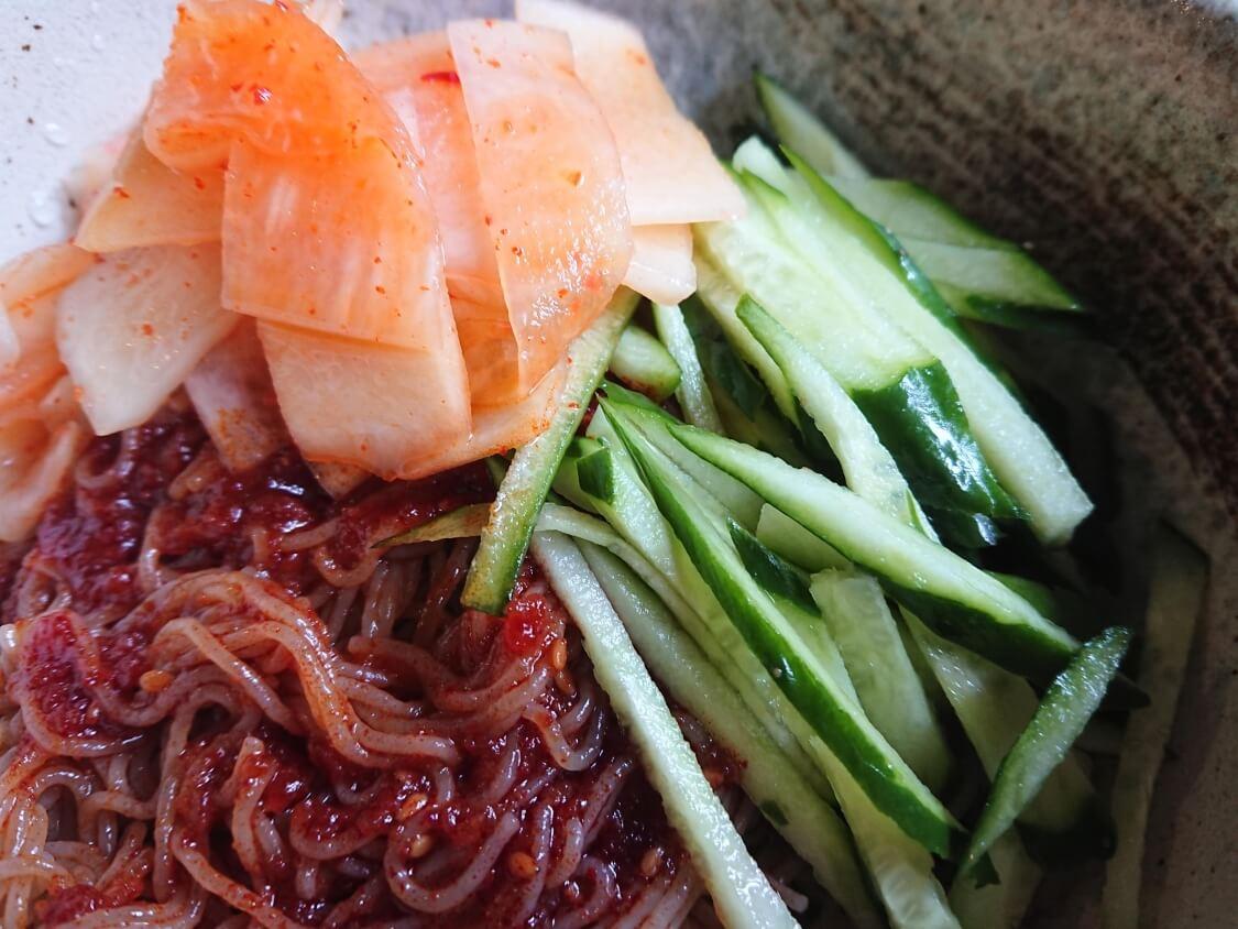 韓国でも人気のインスタント冷麺「ふるる冷麺」の味レビュー