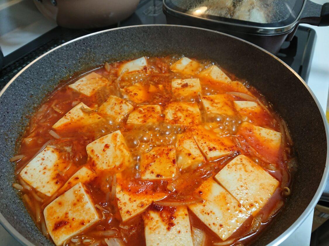 ツナ入りの豆腐チゲ