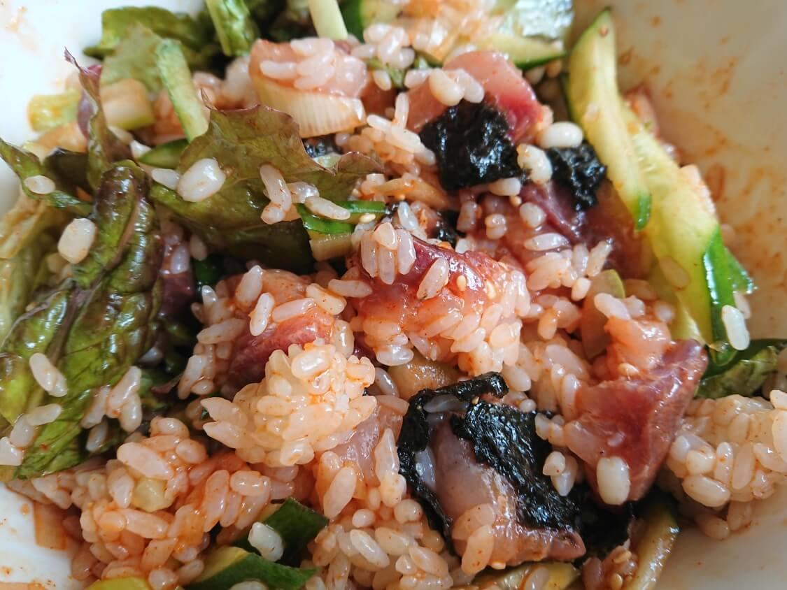 韓国の海鮮ユッケ丼のレシピ。食べ方はビビンバ