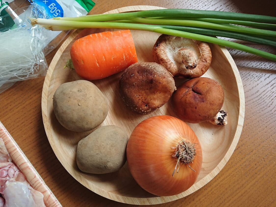 鶏肉の甘辛煮(チムタク)の人気レシピ材料