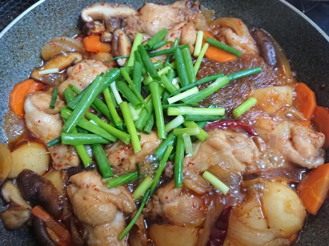 鶏肉の甘辛煮(韓国料理チムタク)のレシピ