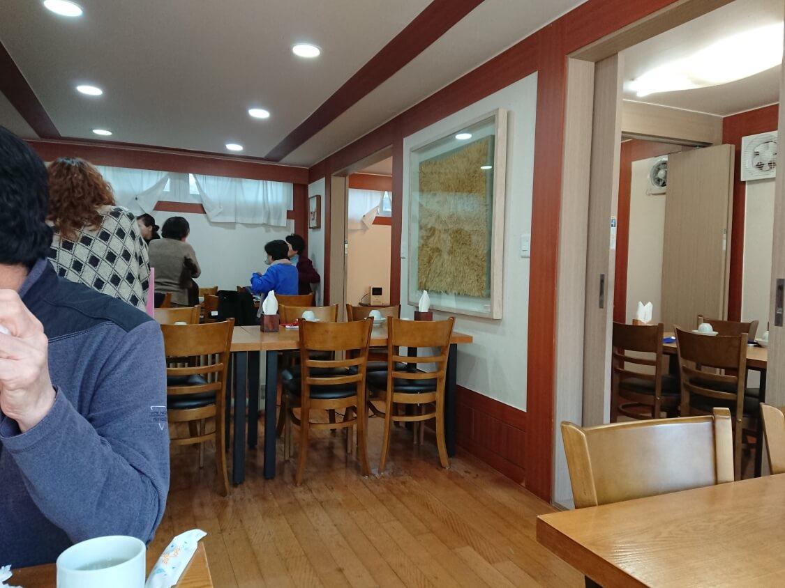 景福宮近くでランチ。韓定食屋さんの内観