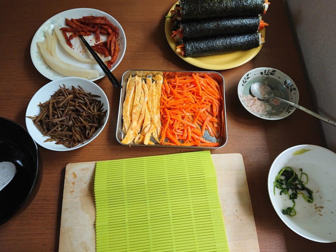 韓国の海苔巻きキンパの簡単レシピ。残りの具材