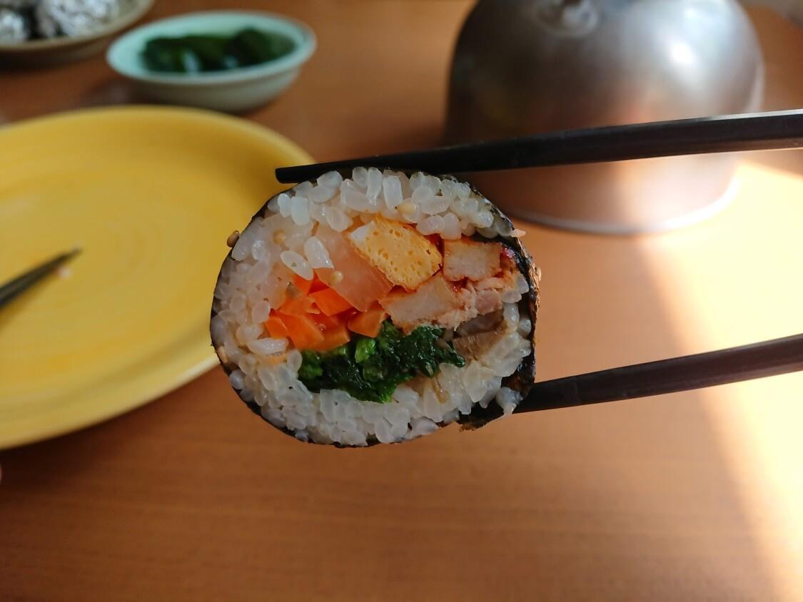 韓国の海苔巻きキンパの簡単レシピ。試食