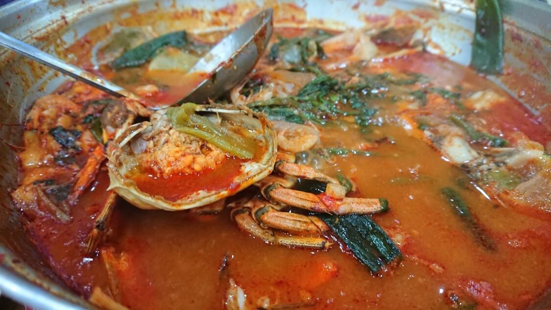 韓国の海鮮鍋メウンタンの食べ方