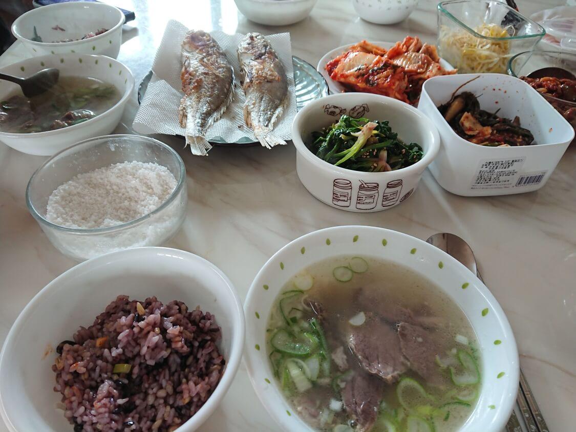 韓国料理スユク。牛肉で作ったもの。コムタン(ソルロンタン)