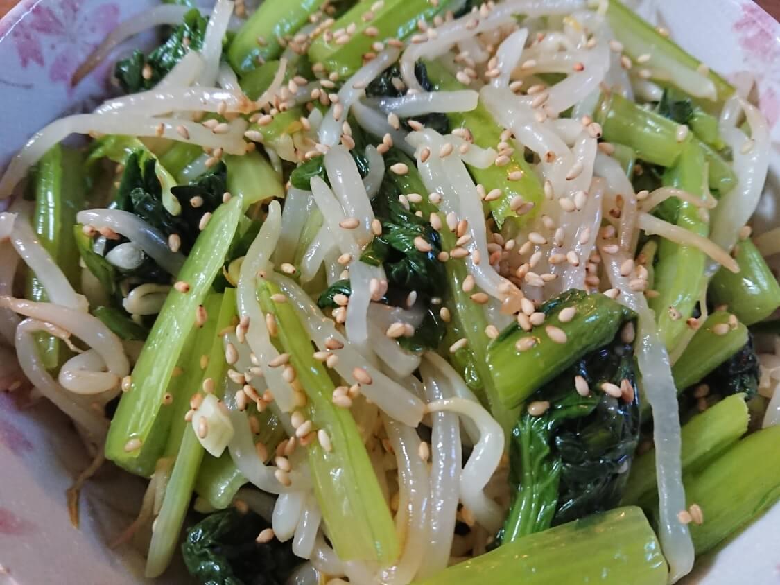 レンジで簡単♪小松菜ともやしのナムルの完成
