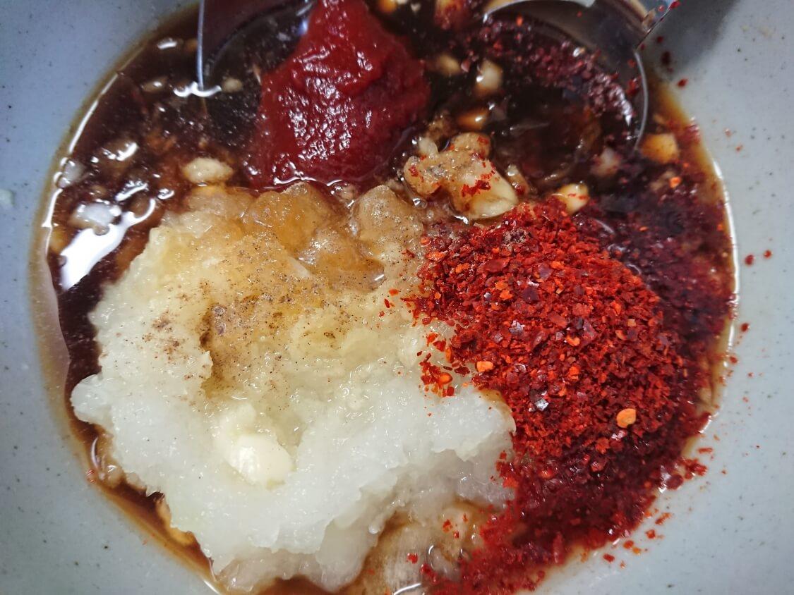 スペアリブの煮込み(韓国料理テジカルビチム)の作り方。味付け(ヤンニョム)