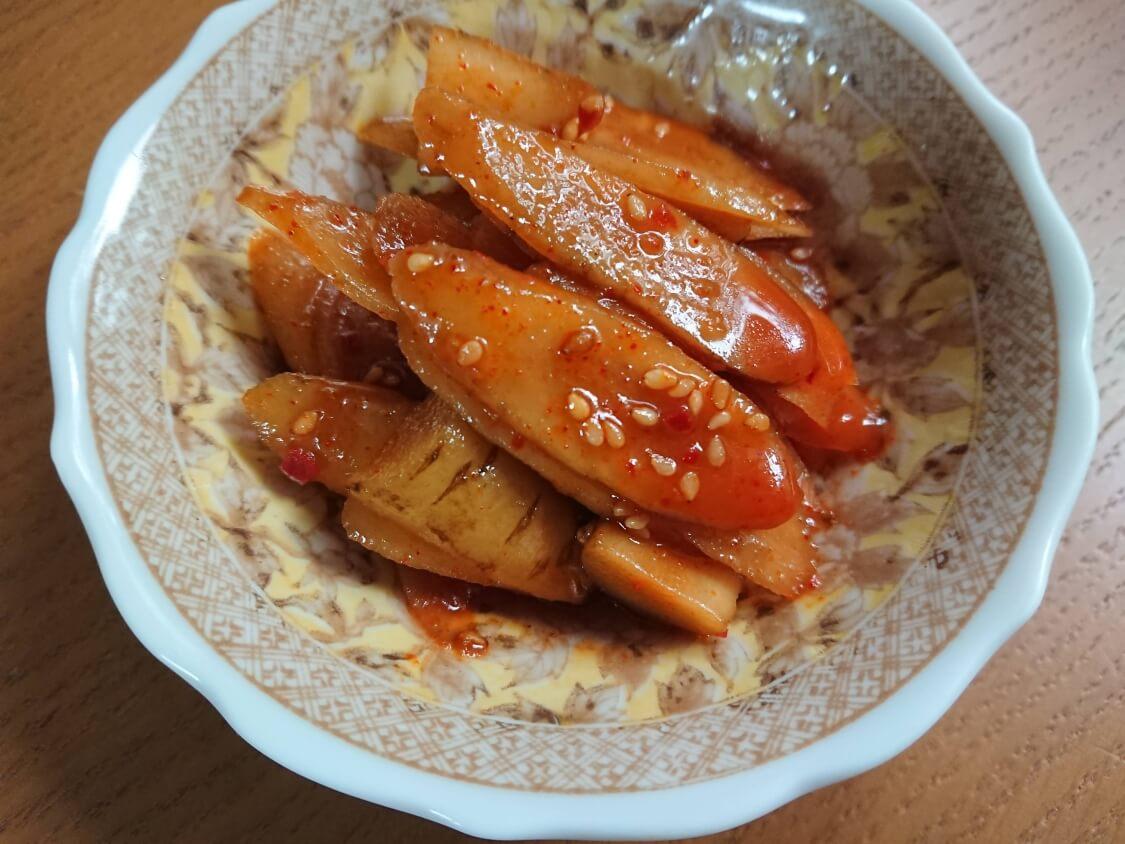 レンジで簡単!ごぼうの酢コチュジャン和え。ピリ辛シャキシャキの変化球副菜