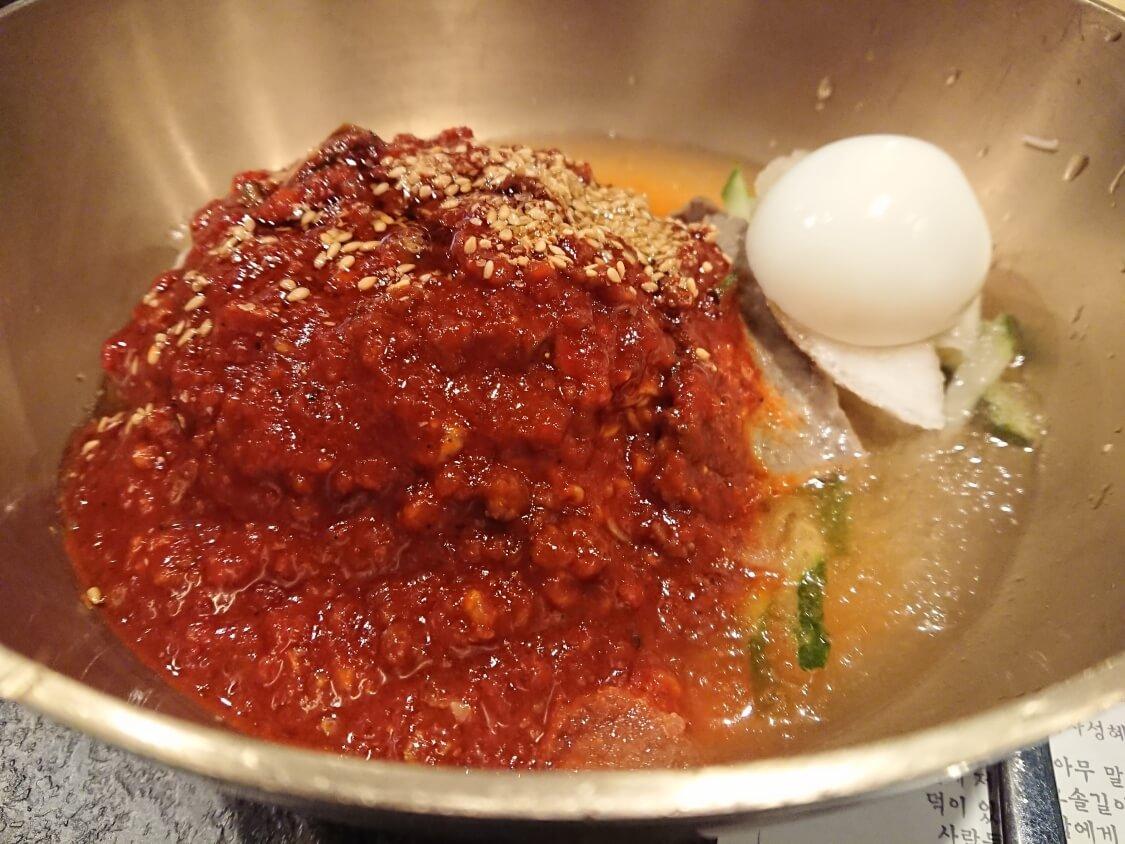 ソウル汝矣島IFCモールのレストランで食べたビビン冷麺