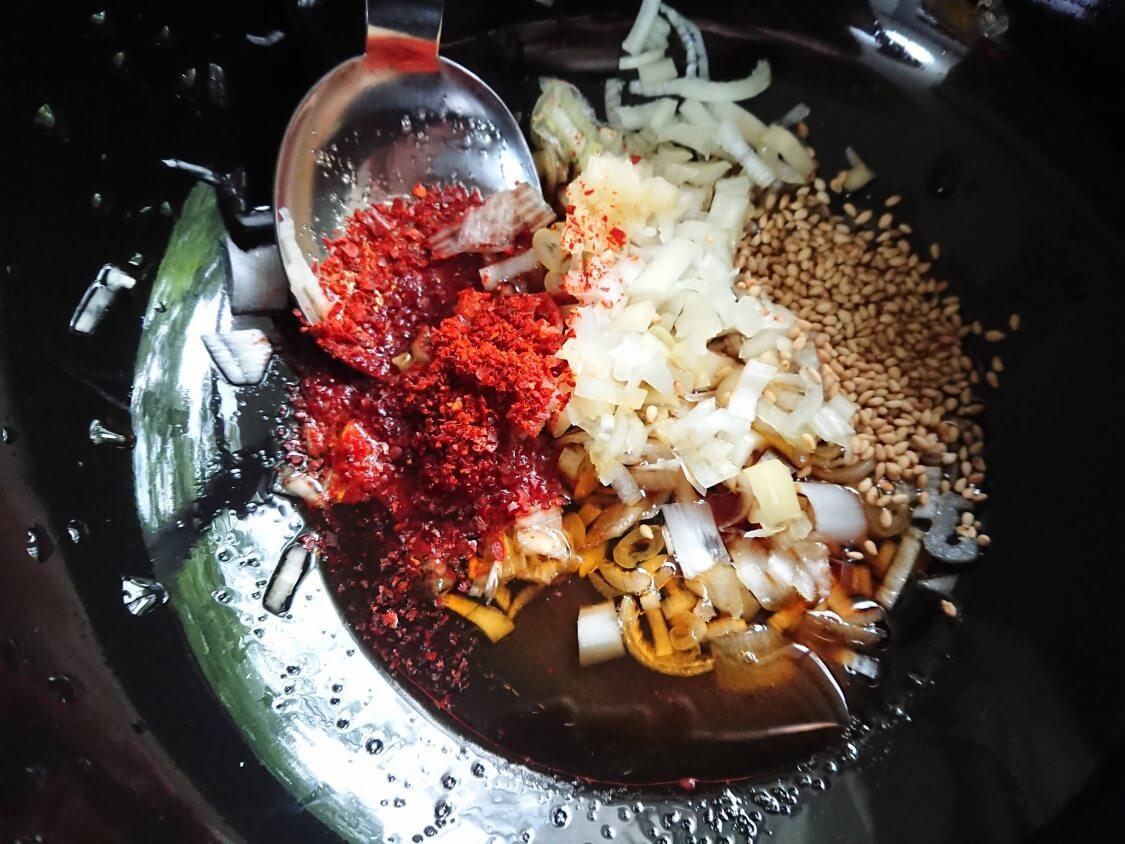 レンジで簡単!なすのピリ辛ナムルの作り方。味付け