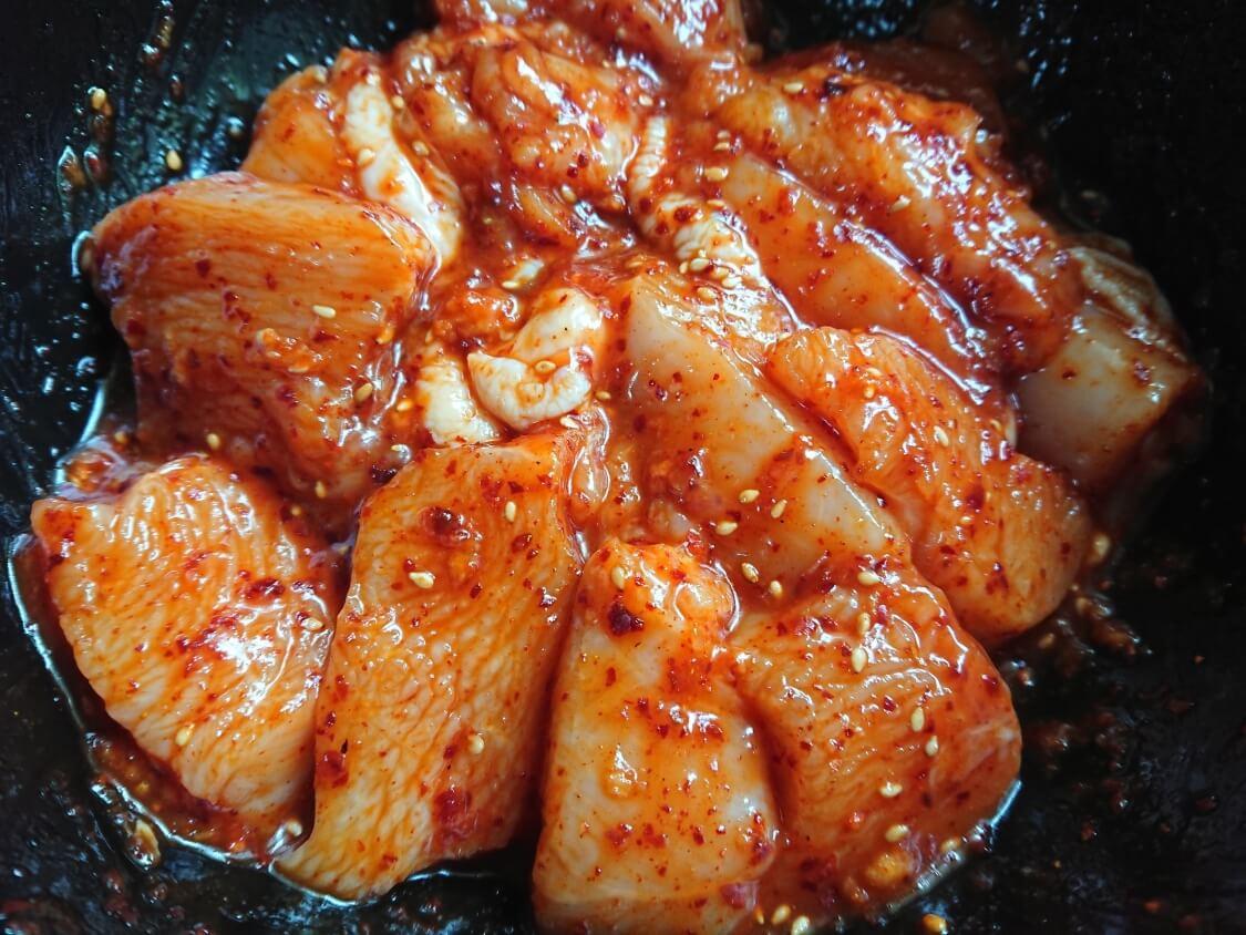 レンジで簡単!チーズタッカルビのレシピ。胸肉で作った時のヤンニョム