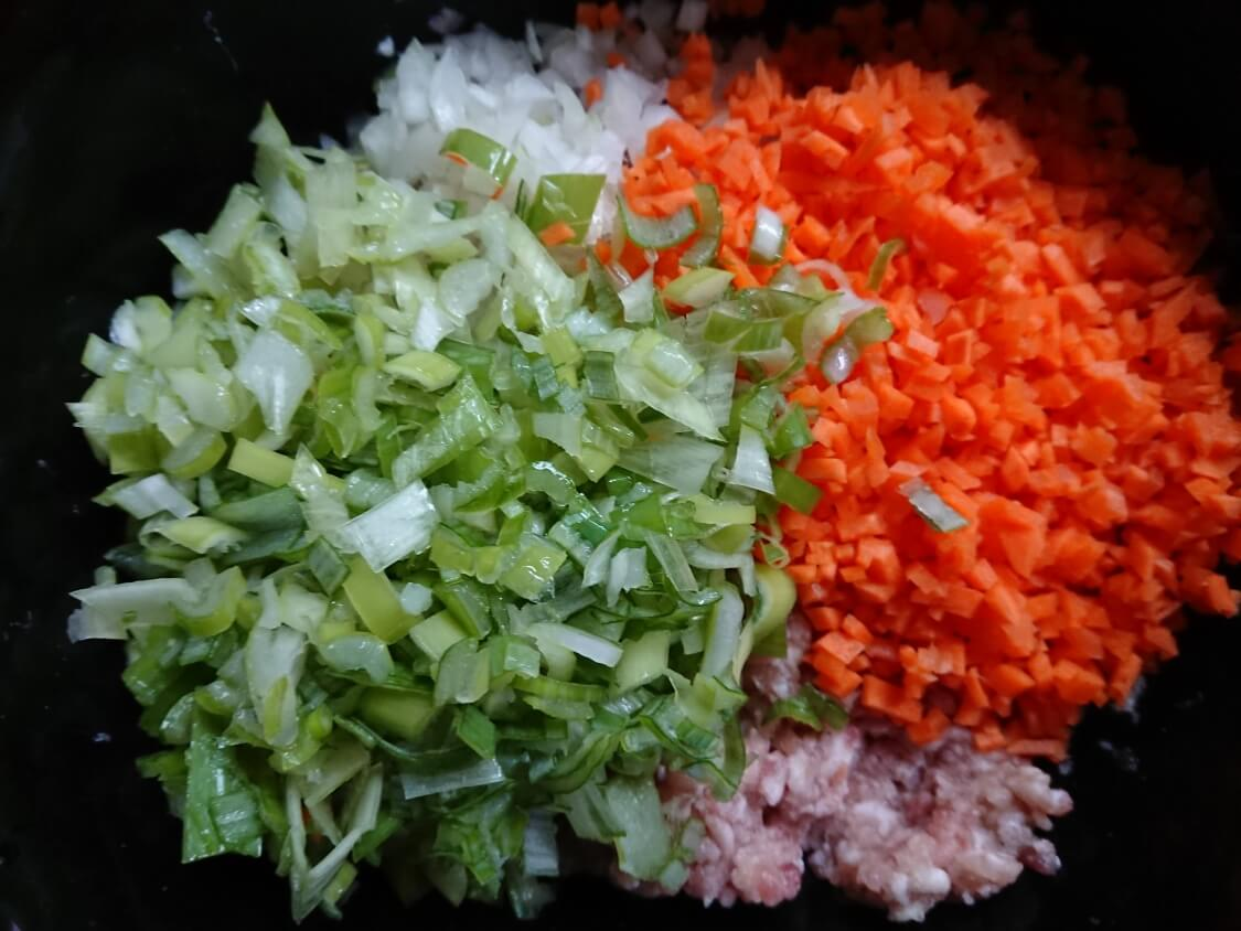 野菜たっぷり韓国風肉団子トングランテンの作り方。入る野菜