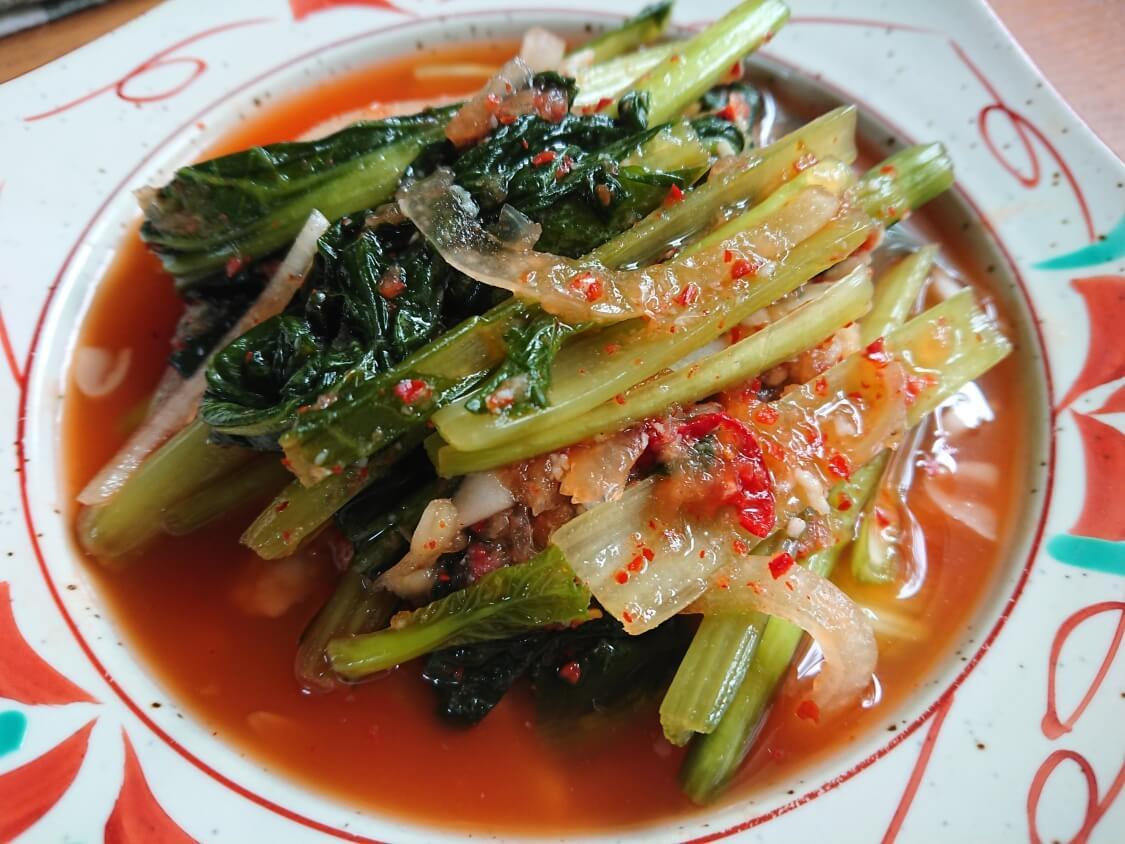 ヨルムキムチの韓国レシピ。小松菜で本場の味に近くみずみずしい味わいに♪