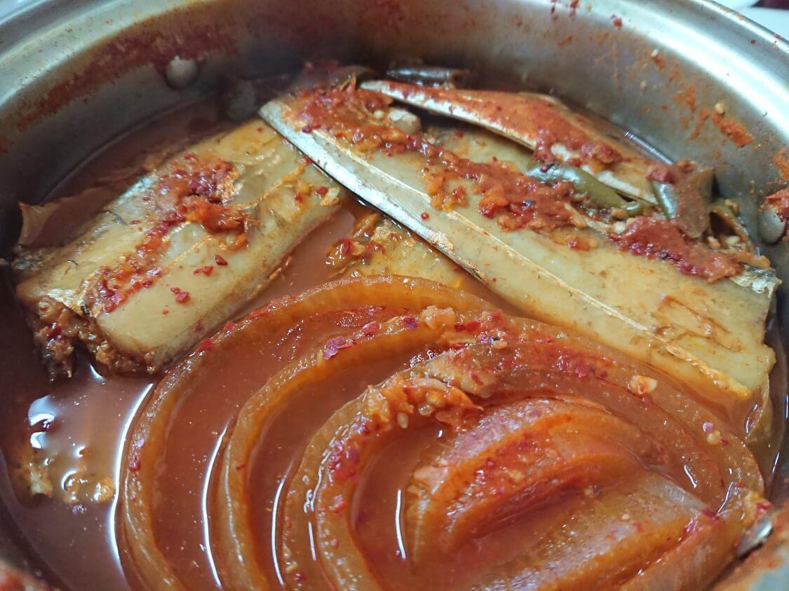 ソウル実家のカルチチョリム(太刀魚の煮付け)