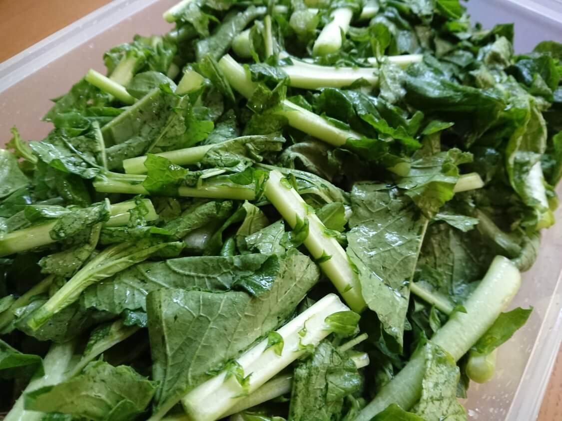 大根の葉入り!カクテキキムチの韓国レシピ。塩で漬ける