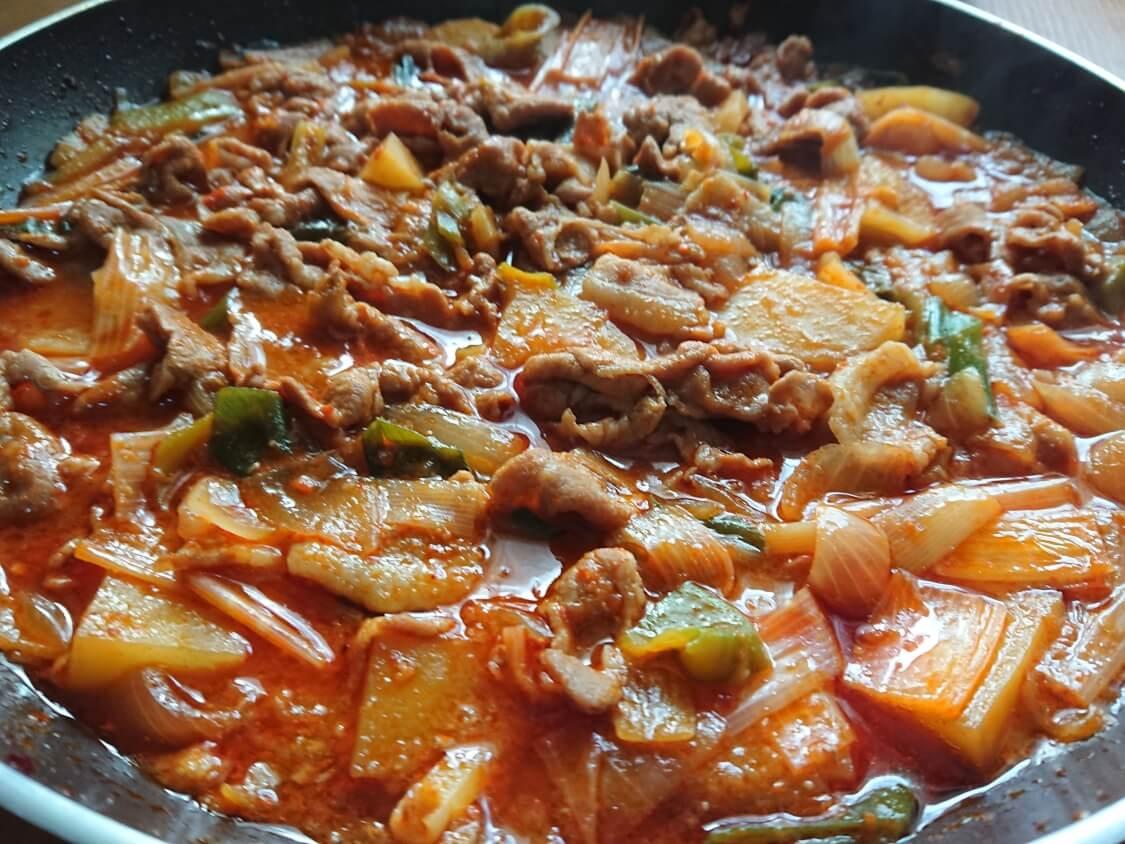 チゲ風♪豚肉とじゃがいものコチュジャン炒め煮のレシピ